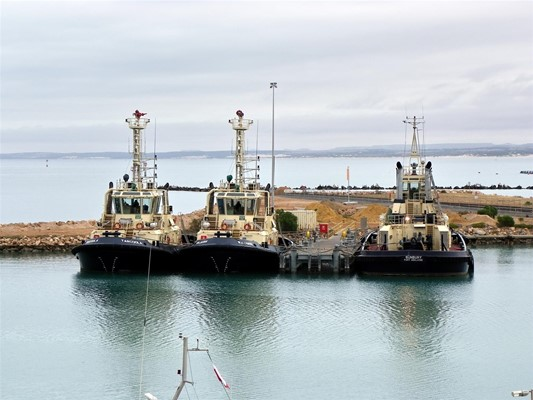 General - Three tugs